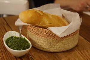 ltalian bread and pesto sauce